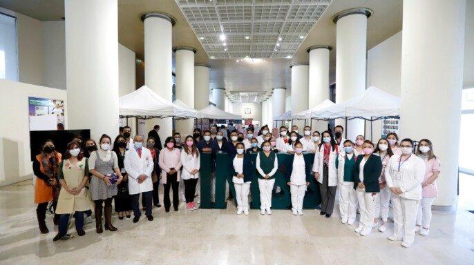 Trabajadores del IMSS en Feria de la Salud